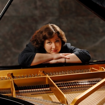 Outstanding, major prize-winning pianist from Russia